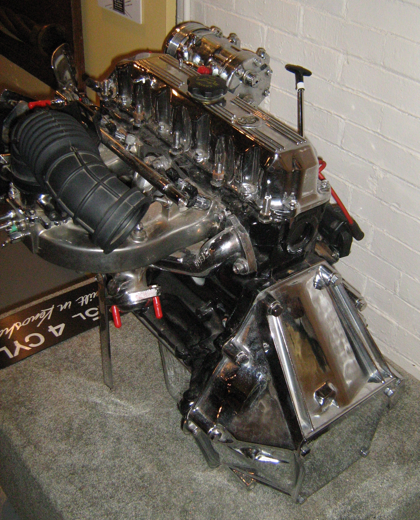 File:Jeep 2.5 Liter 4-cylinder Engine Chromed Z.jpg