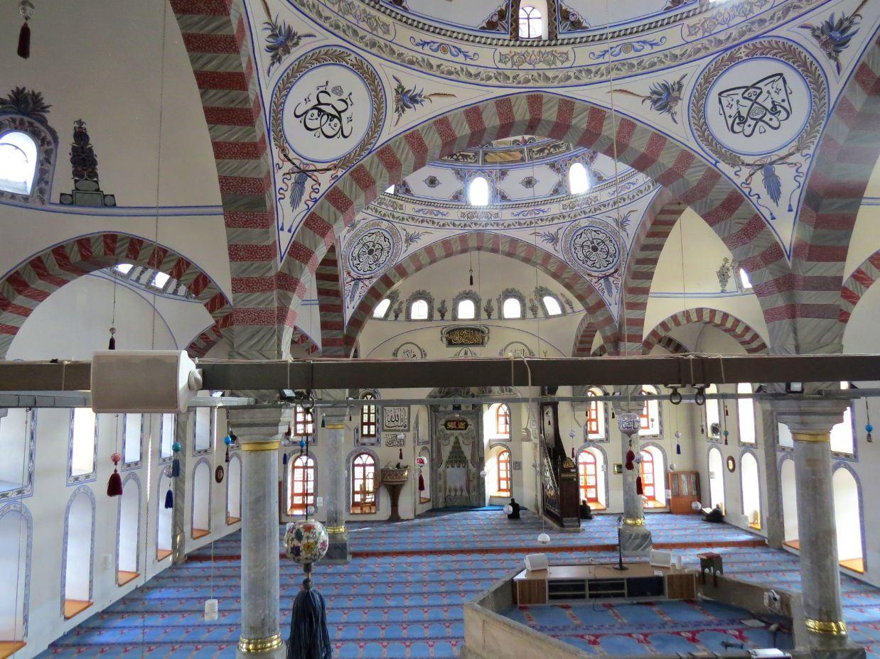 File:Kütahya ulu camii içi.JPG - Wikimedia Commons