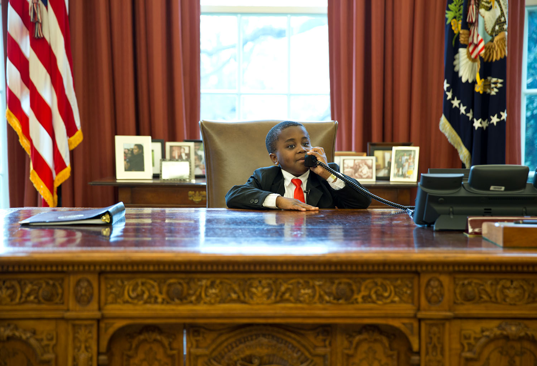 oval office resolute desk. filekid president behind the resolute desk 11665394364jpg oval office
