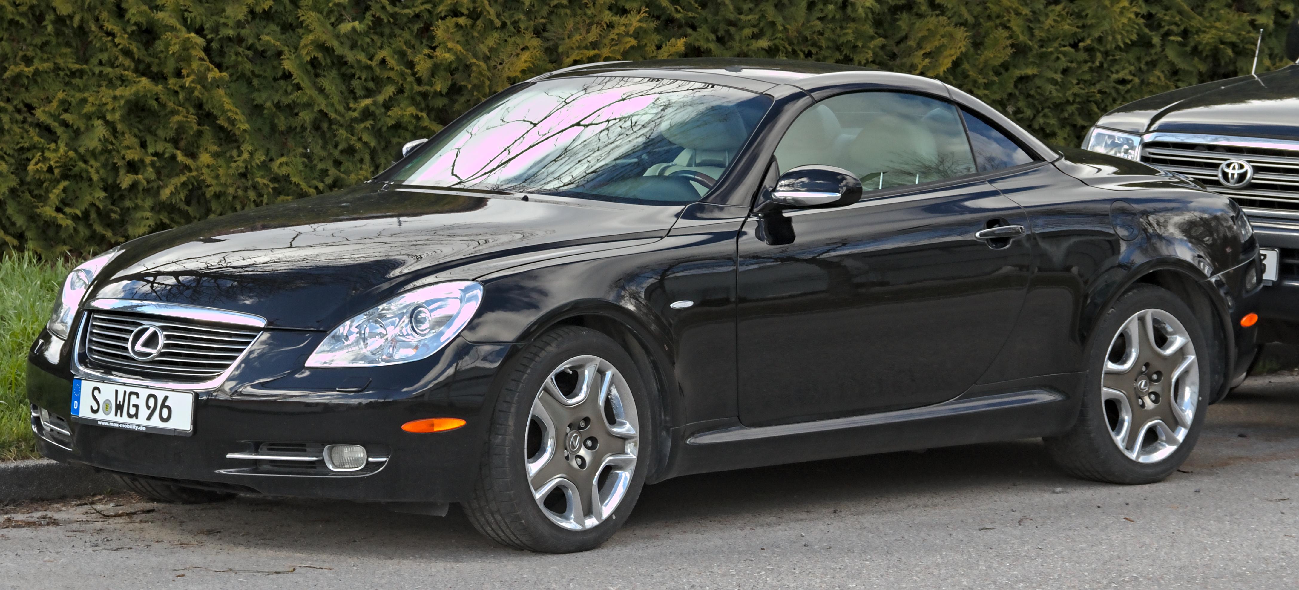 Black Lexus SC 430