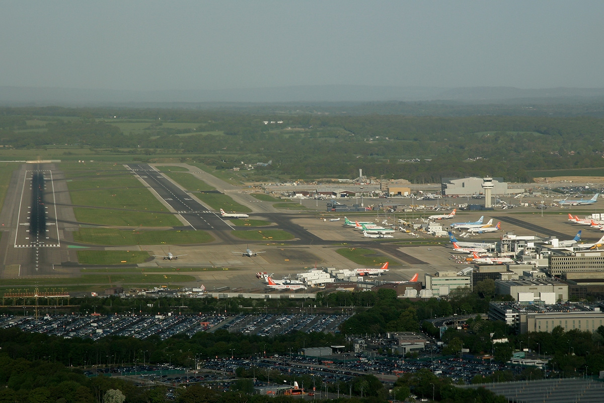 Gatwick Airport - Wikipedia