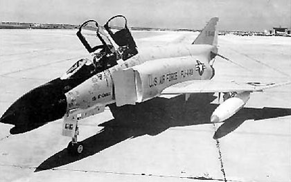 Ouvre boîte Shenyang J-8 II Finback B [Trumpeter 1/48] McDonnell_Douglas_F-4C-17-MC_061006-F-1234S-026