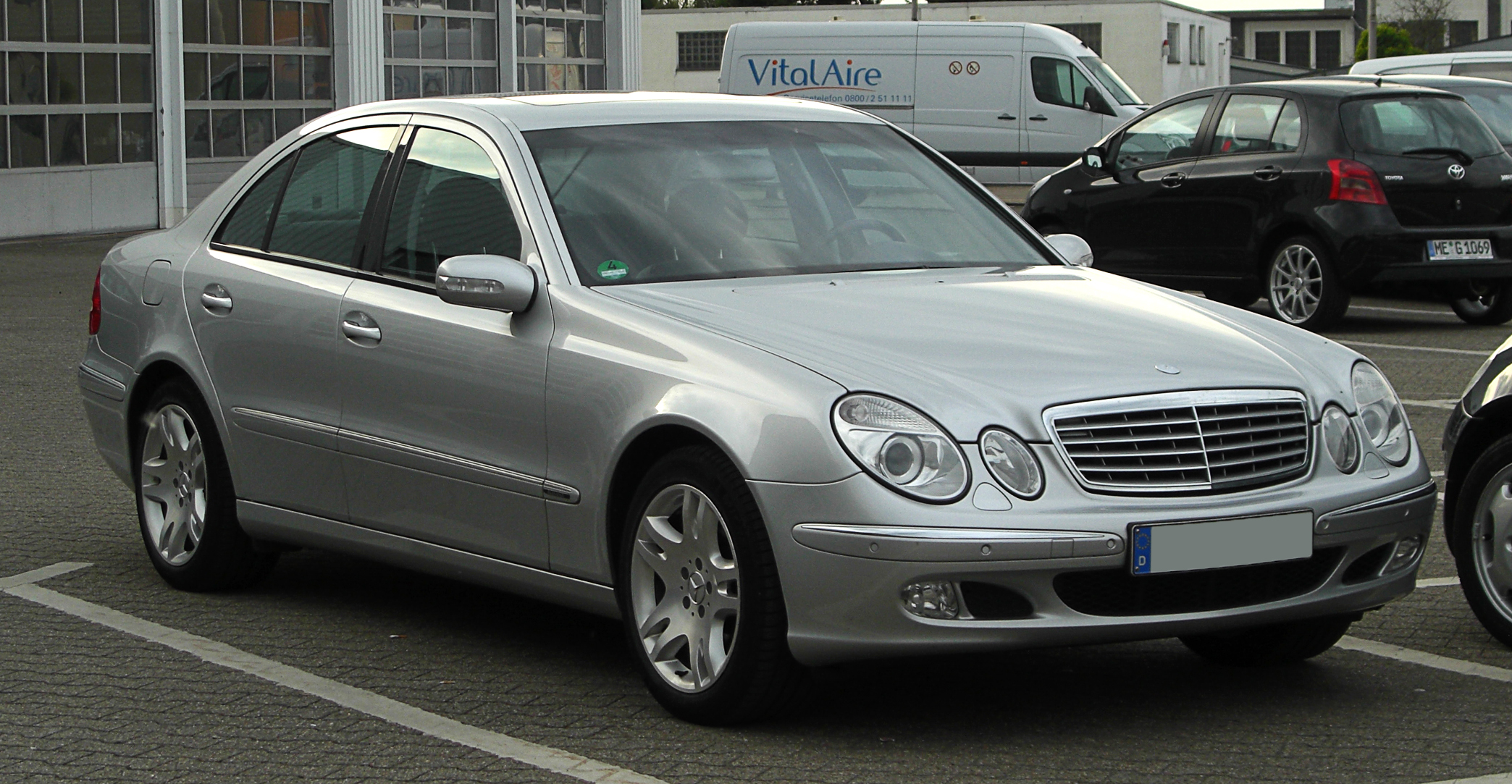 File mercedes benz e 500 elegance w 211 frontansicht for Mercedes benz w