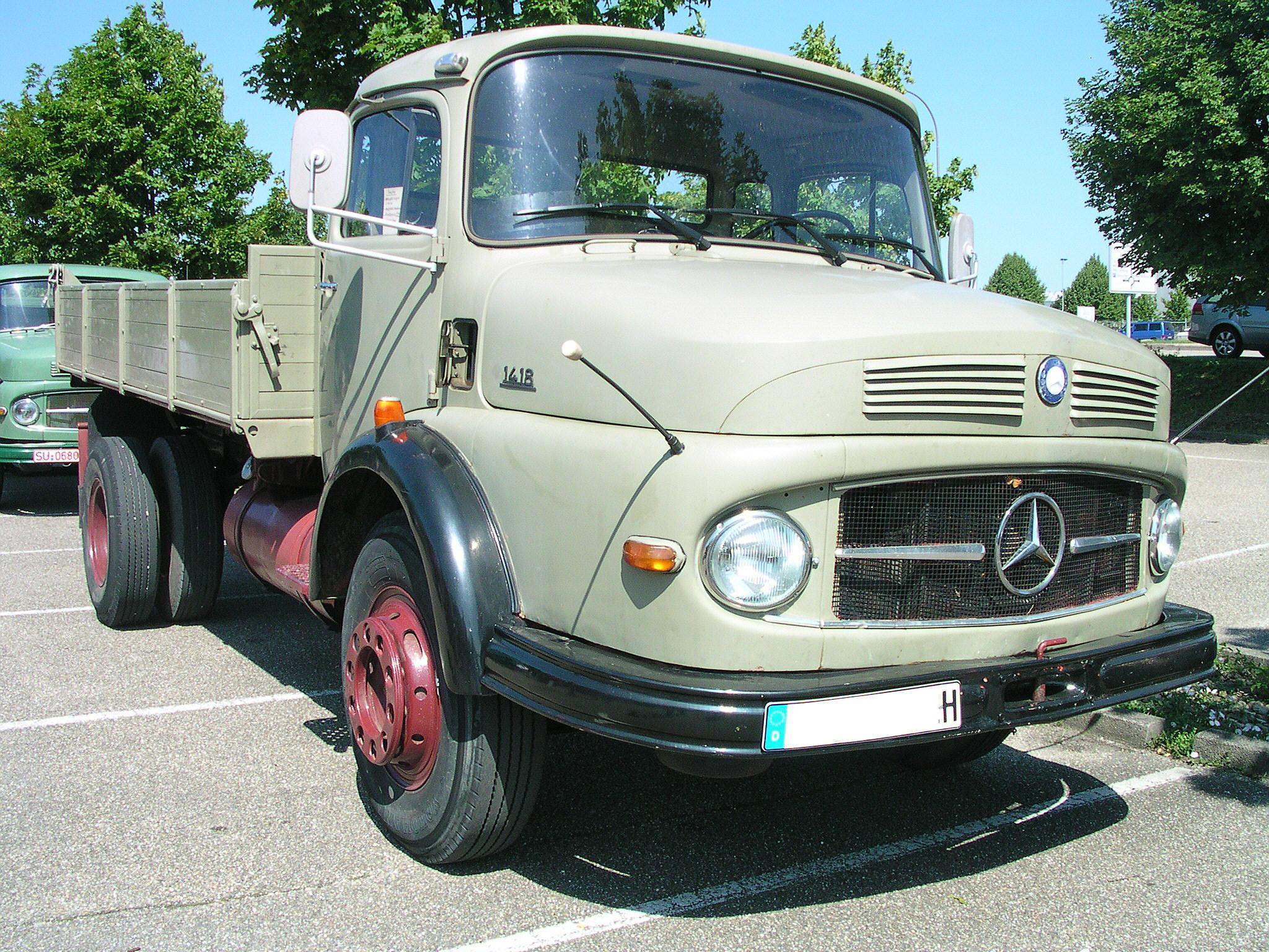 File:Mercedes 1418.jpg