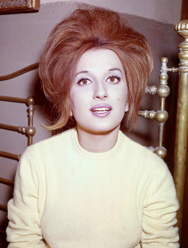 File:Mina Mazzini 1960s3.jpg - Wikimedia Commons