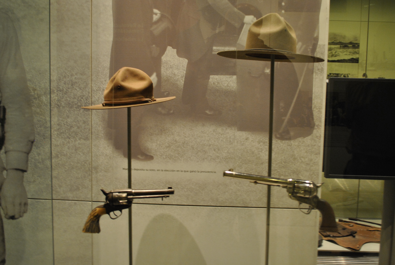 Museo De La Revolucion.Archivo Museo Nacional De La Revolucion Sombreros Y Pistolas