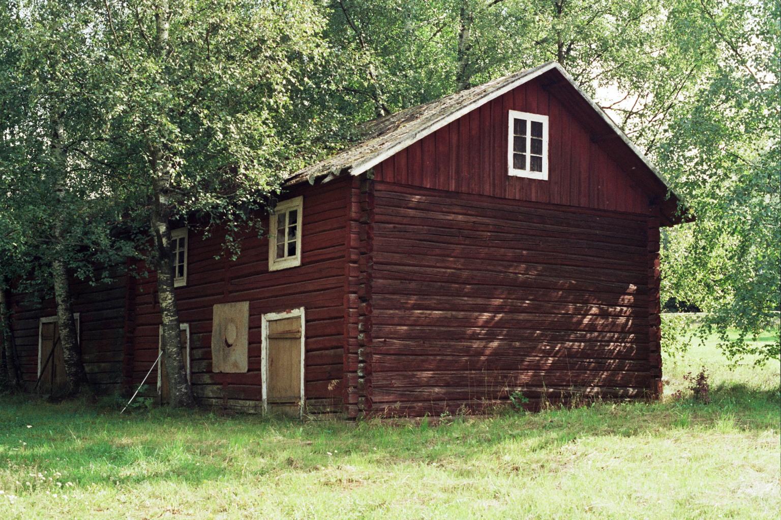 Old wooden shed ksheda for Wood barn construction