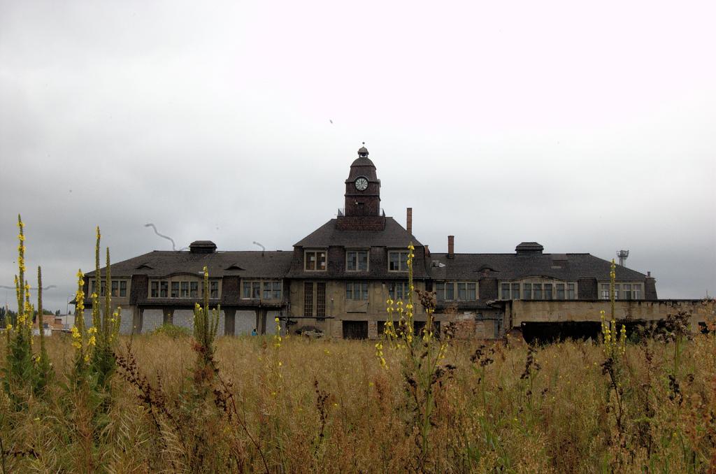 File:POL Katowice - Sopienice - Ruiny Huty Uthemana jpg