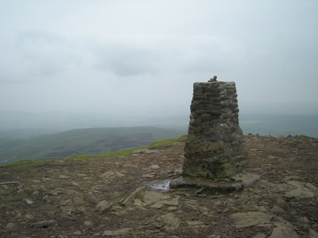 Pen-y-ghent summit - geograph.org.uk - 857189