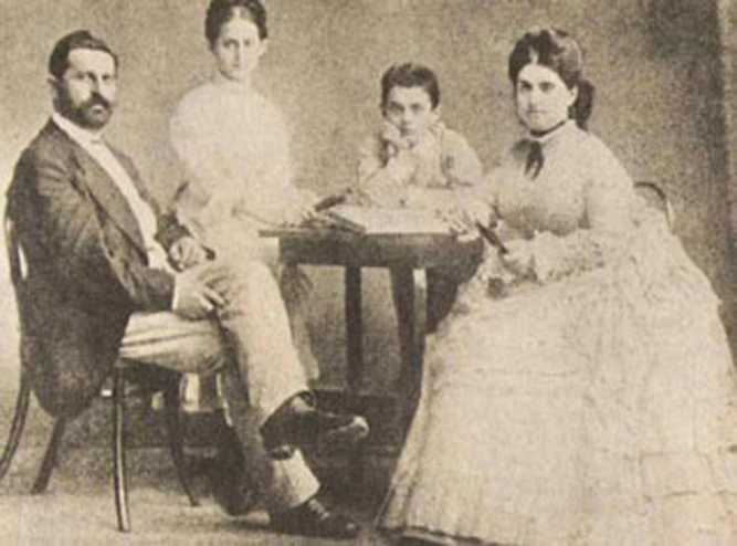 File:PikiWiki Israel 6969 Herzl Family.jpg