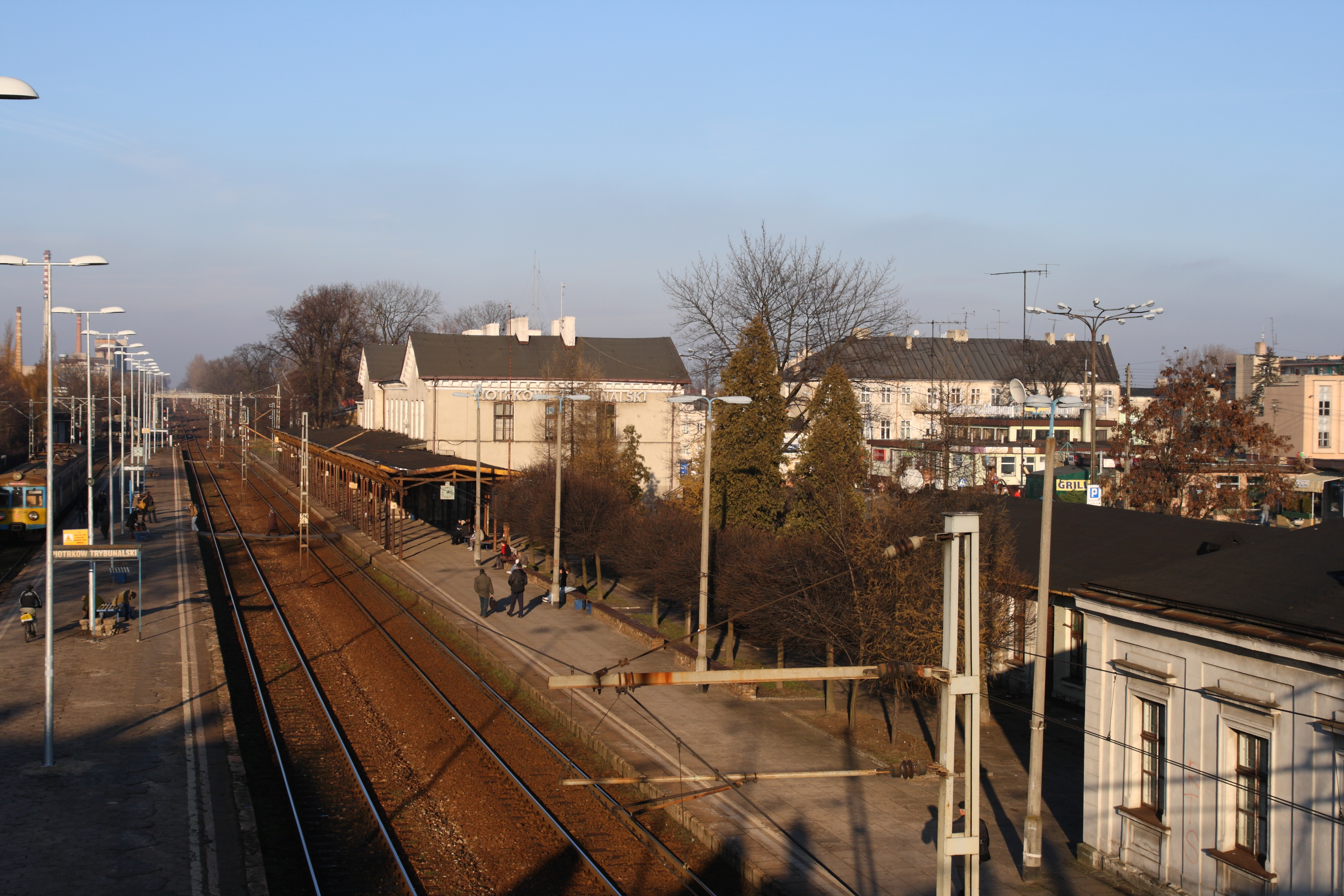 Piotrkow Trybunalski Poland  City pictures : Piotrków Trybunalski Dworzec PKP 01 Wikimedia Commons
