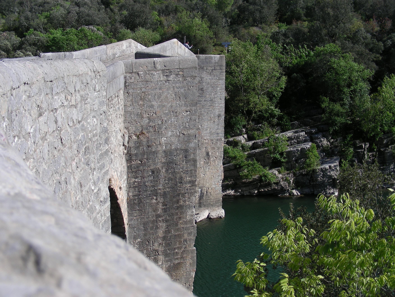 File Pont De Saint Etienne D Issensac 2 Jpg Wikimedia Commons