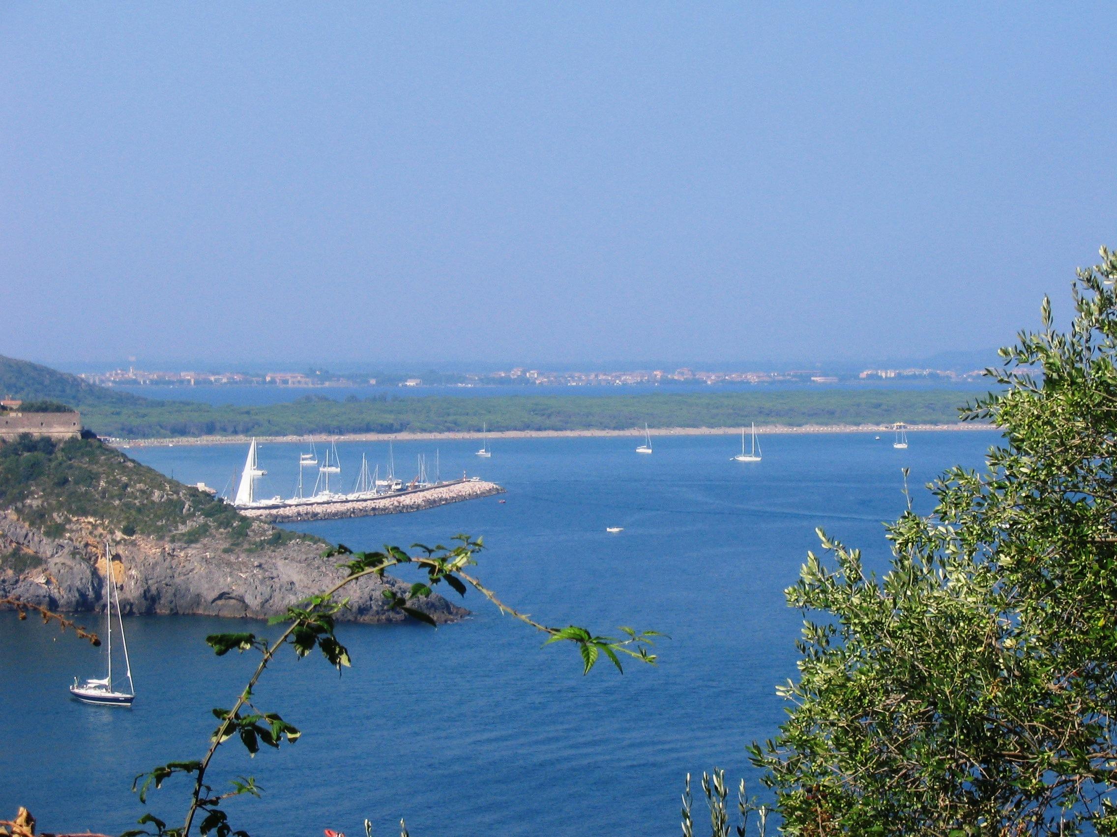 Porto Ercole - Vista Laguna dalla rocca.JPG