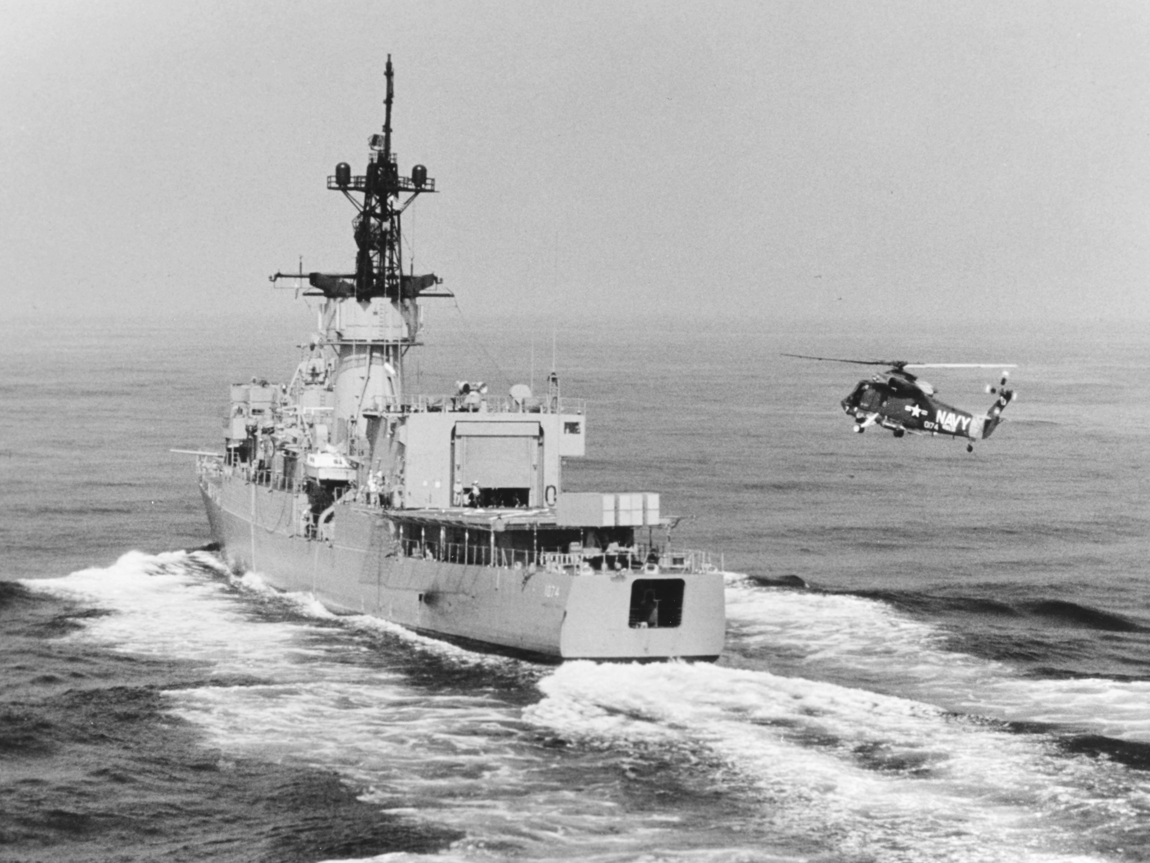 File:SH-2D of HSL-31 approaches USS Harold E. Holt (