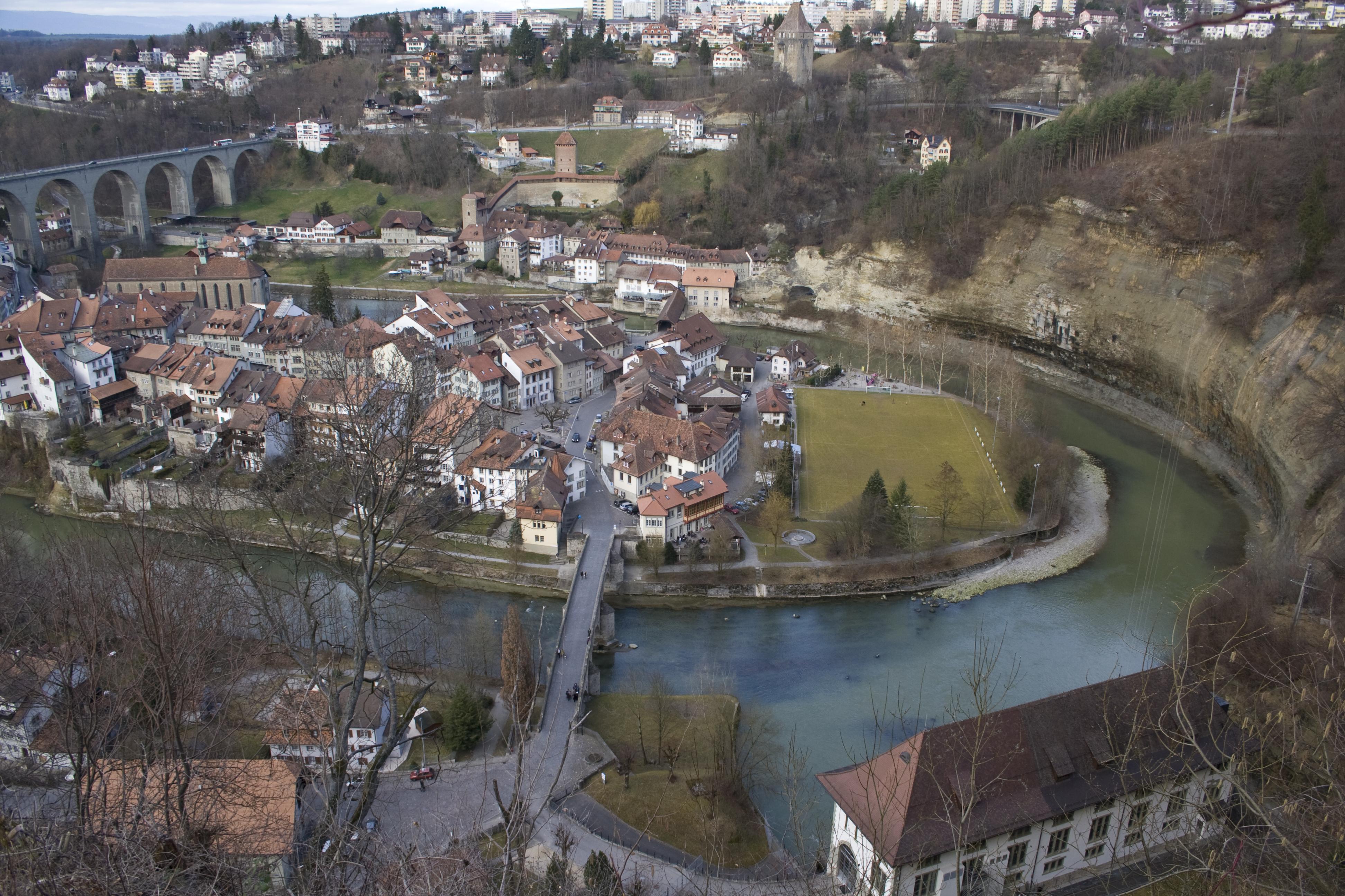 File sarine basse ville de wikimedia commons for Basse goulaine piscine