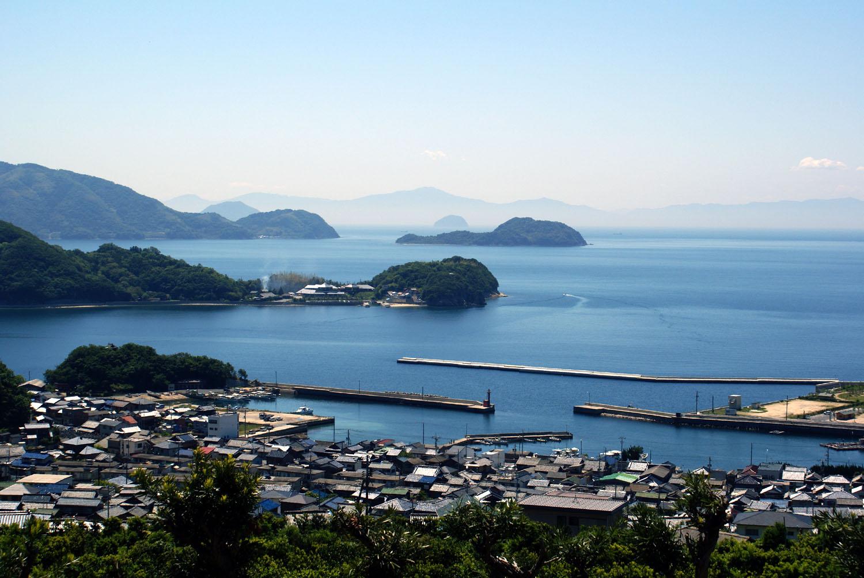 https://upload.wikimedia.org/wikipedia/commons/2/20/Setouchi.jpg