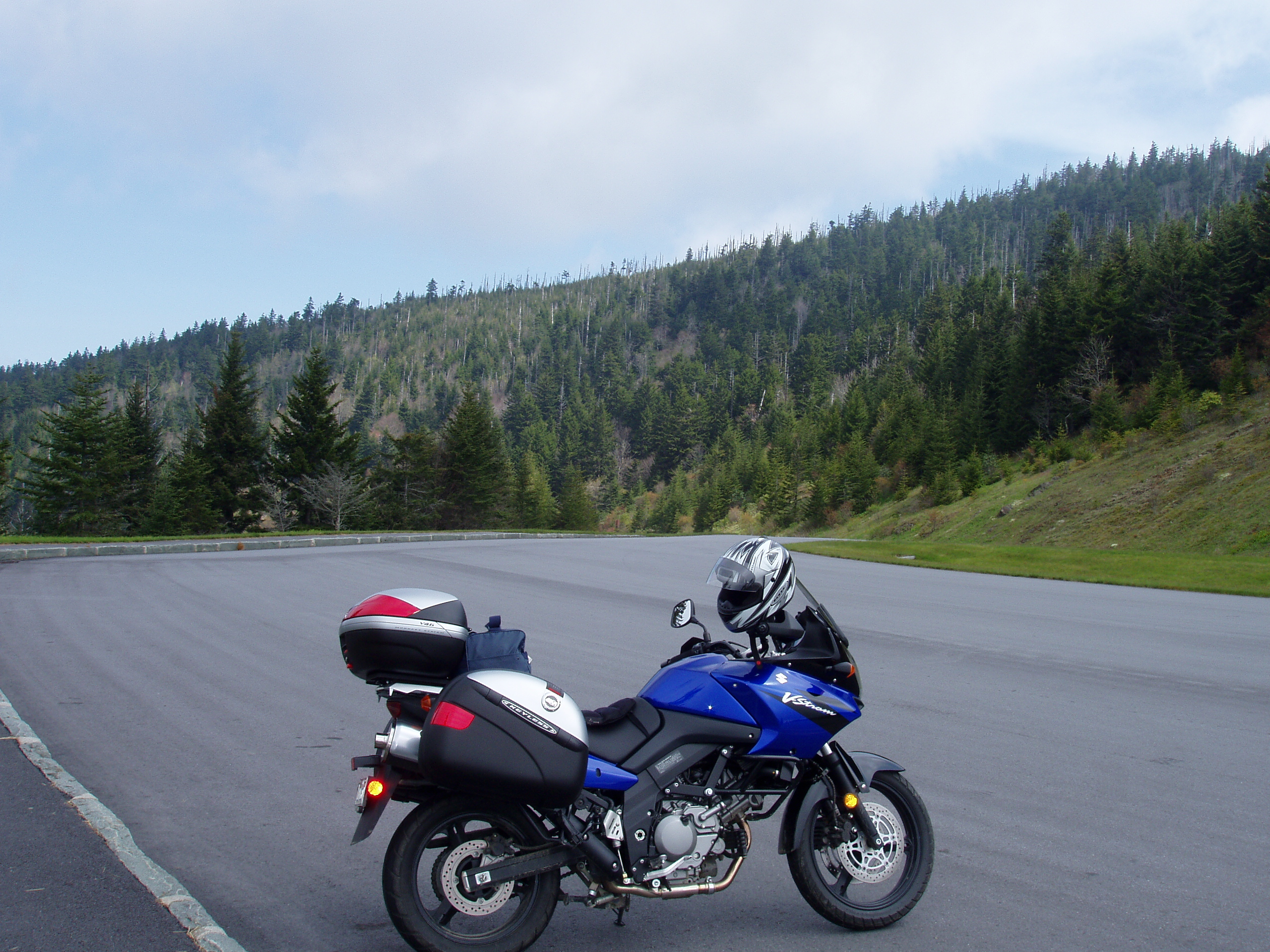 File Suzuki V Strom Dl650 Blue Ridge Jpg Wikimedia Commons