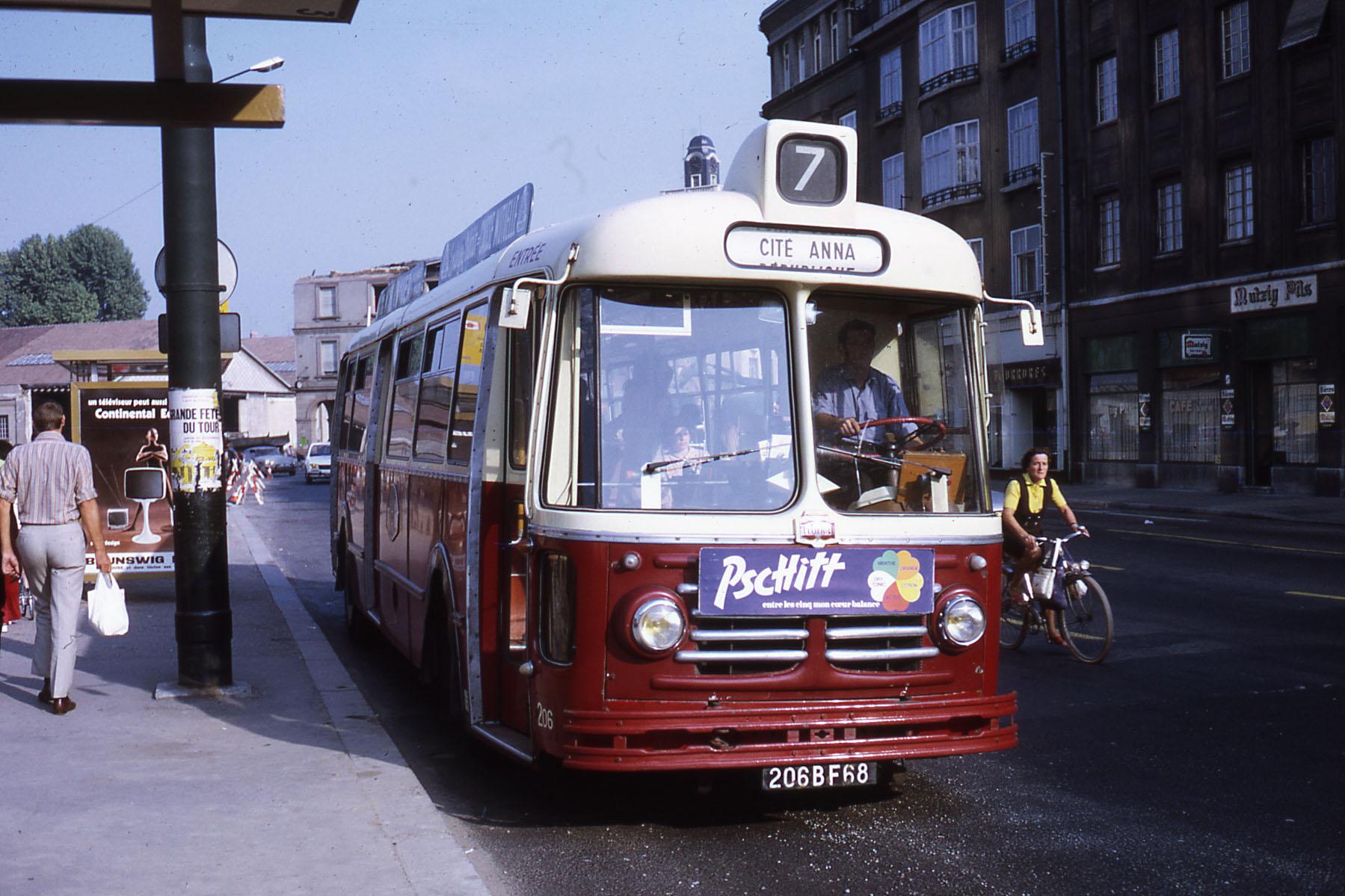 file tcm ligne 7 mulhouse bus wikimedia commons. Black Bedroom Furniture Sets. Home Design Ideas