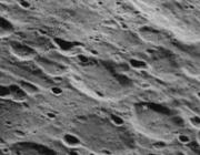 蒂林陨石坑
