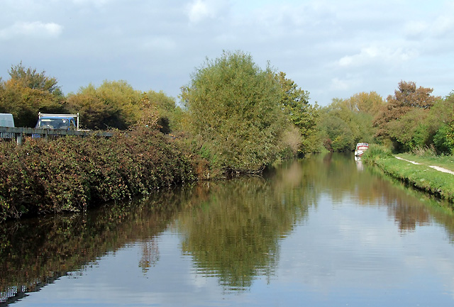 Trent and Mersey Canal, Burton-upon-Trent - geograph.org.uk - 1584971