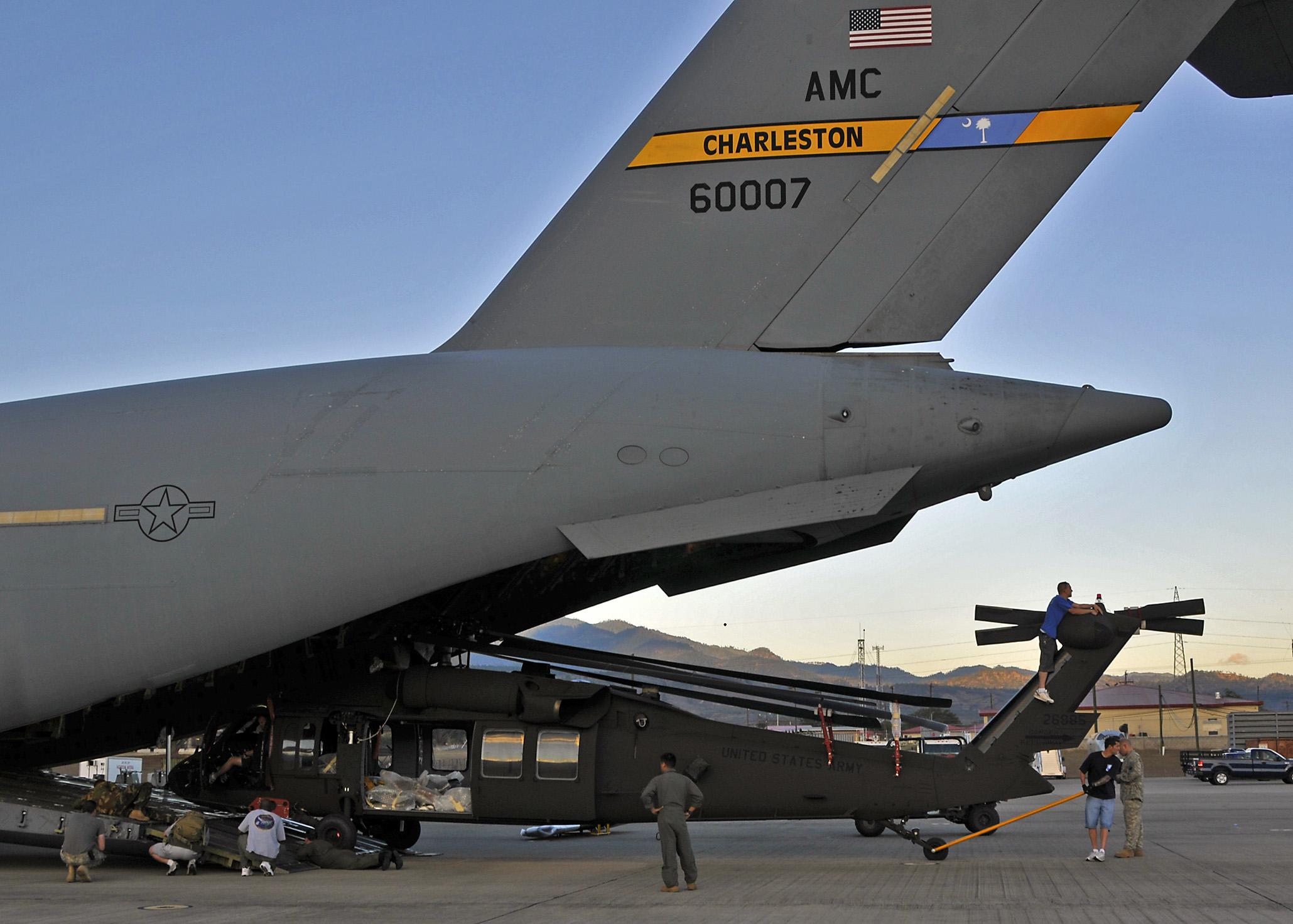 File Us Air Force 090601 F 2529c 001 Need A Lift Jpg