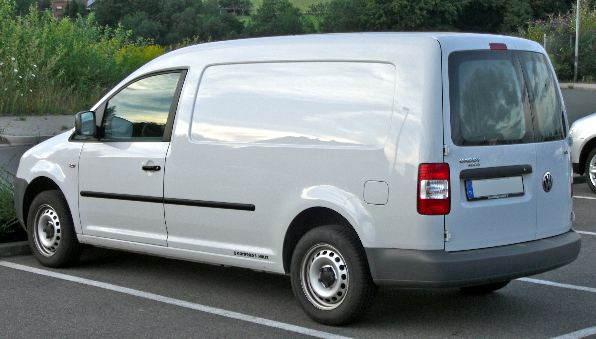 Mb Cargo Van >> File:VW Caddy Maxi rear-1.jpg - Wikimedia Commons