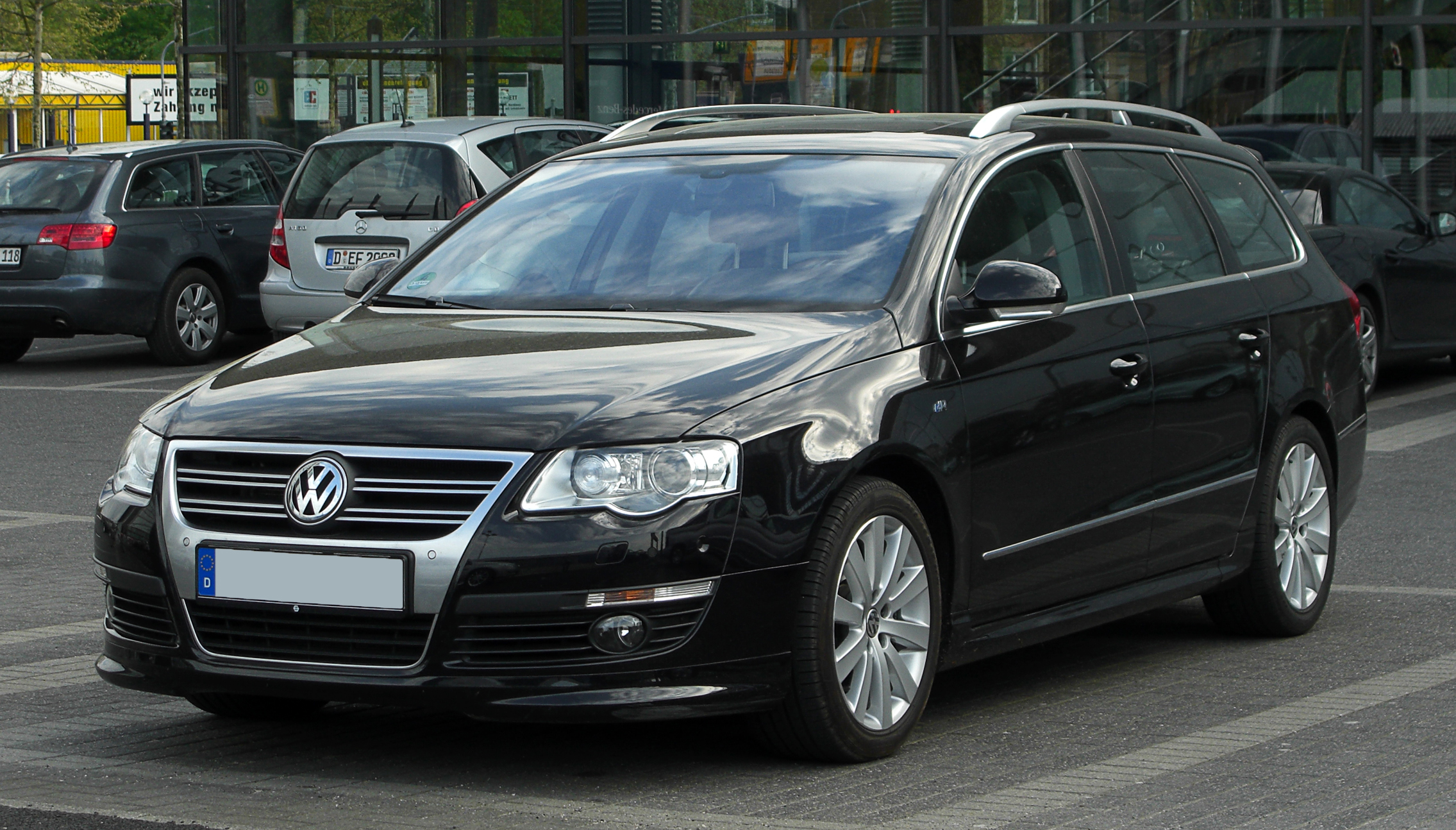 file vw passat variant r line b6 frontansicht 17 april 2011 d wikimedia. Black Bedroom Furniture Sets. Home Design Ideas