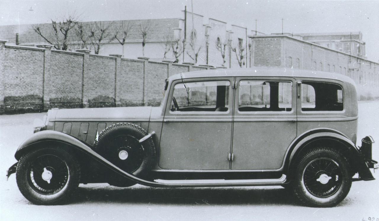 https://upload.wikimedia.org/wikipedia/commons/2/20/Vettura_Lancia_Astura_230%2C_1931-1933_-_san_dl_SAN_IMG-00001305.jpg
