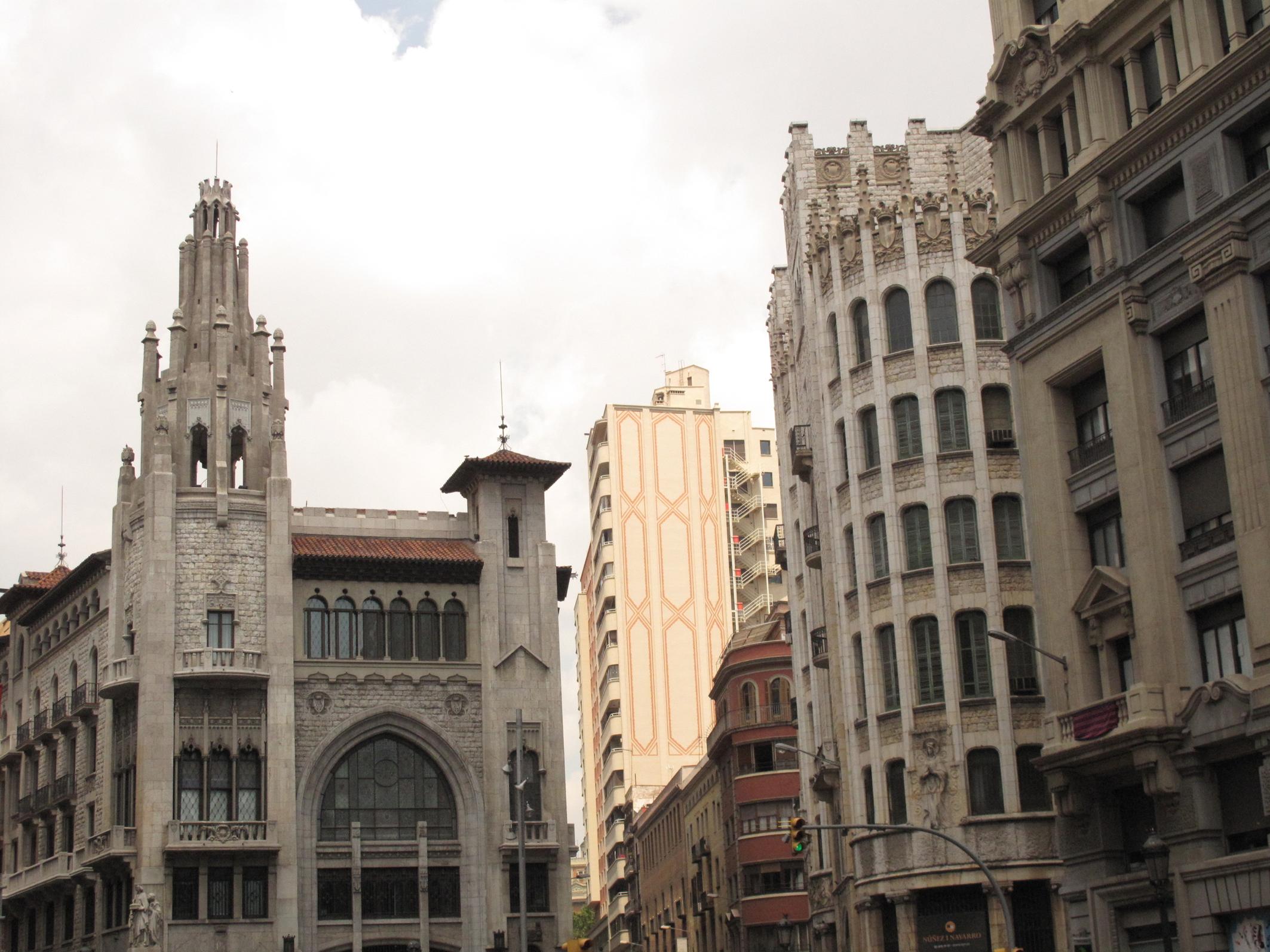 File via laietana edifici de la caixa de pensions i edifici wikimedia commons - Caixa d estalvis i pensions de barcelona oficinas ...