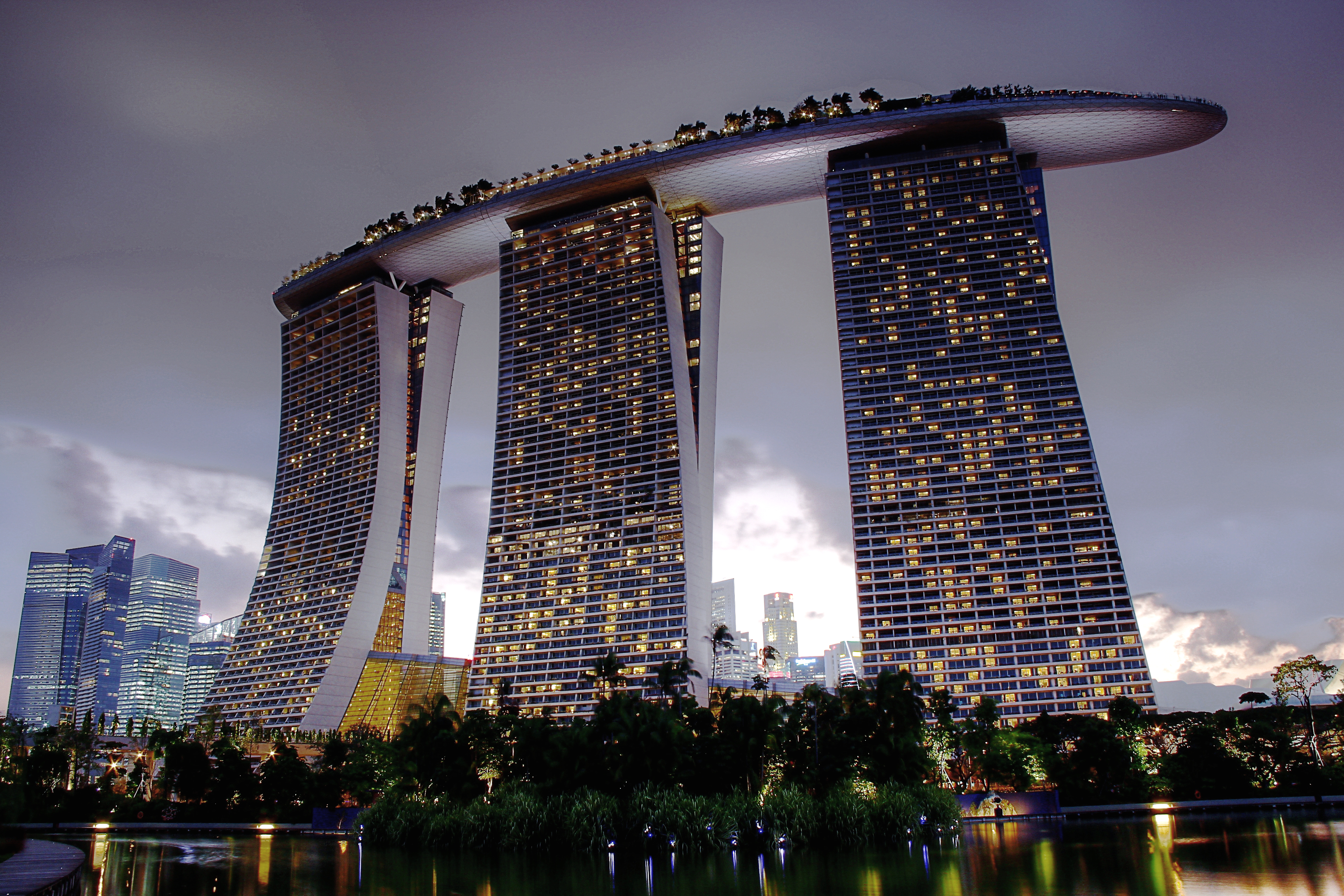 The integrated resort of Marina Bay Sands [3455 × 2303]