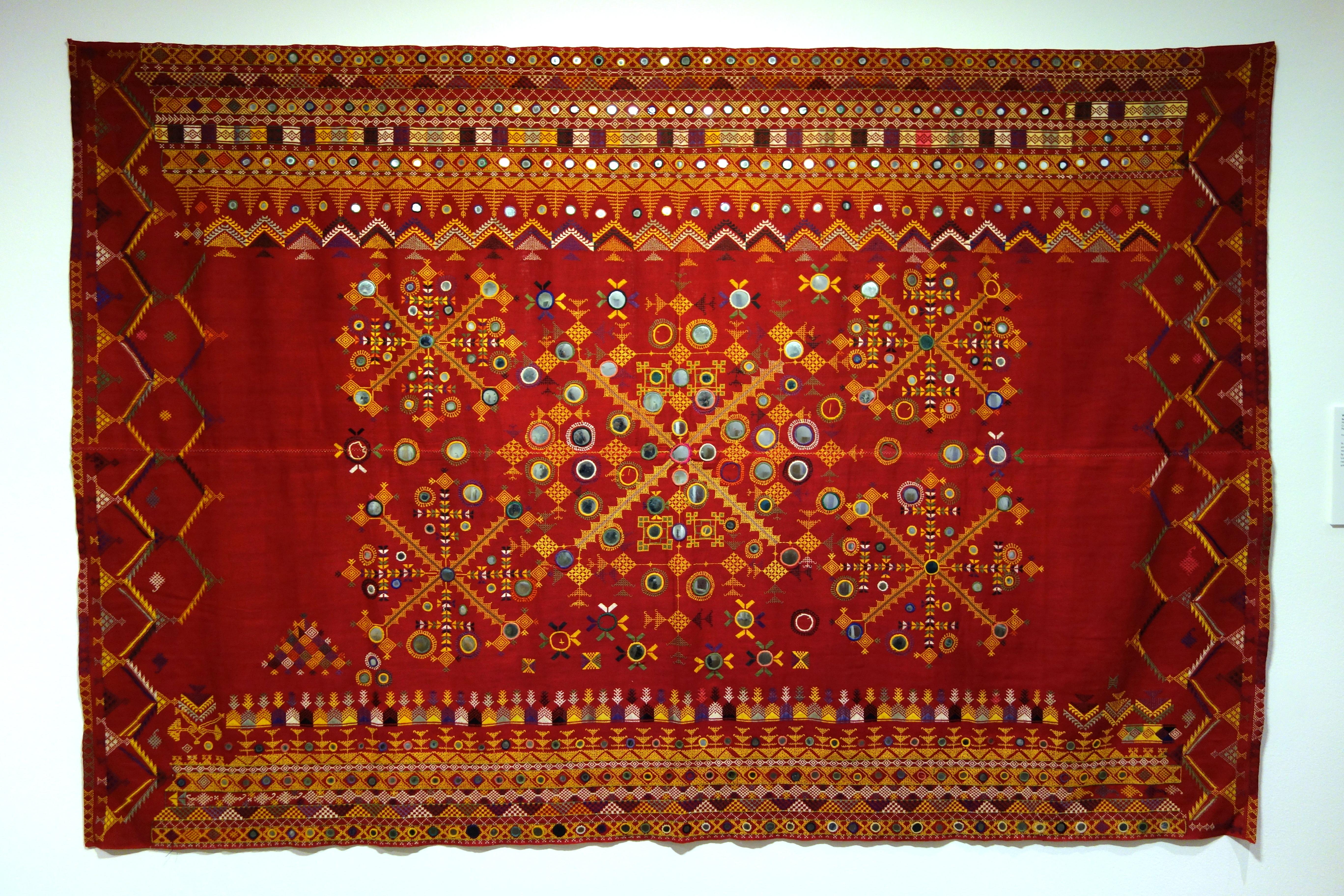 Barmer India  city images : Description Wedding shawl odhani , Barmer, Rajasthan, India, view 1 ...