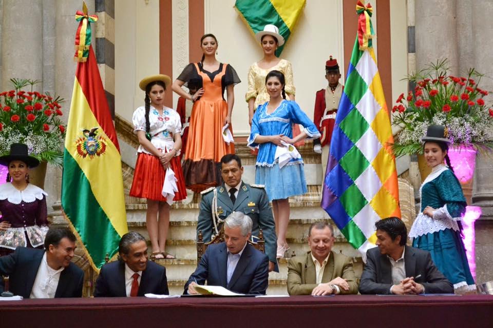 Promulgación Ley Nacional de La Cueca Boliviana