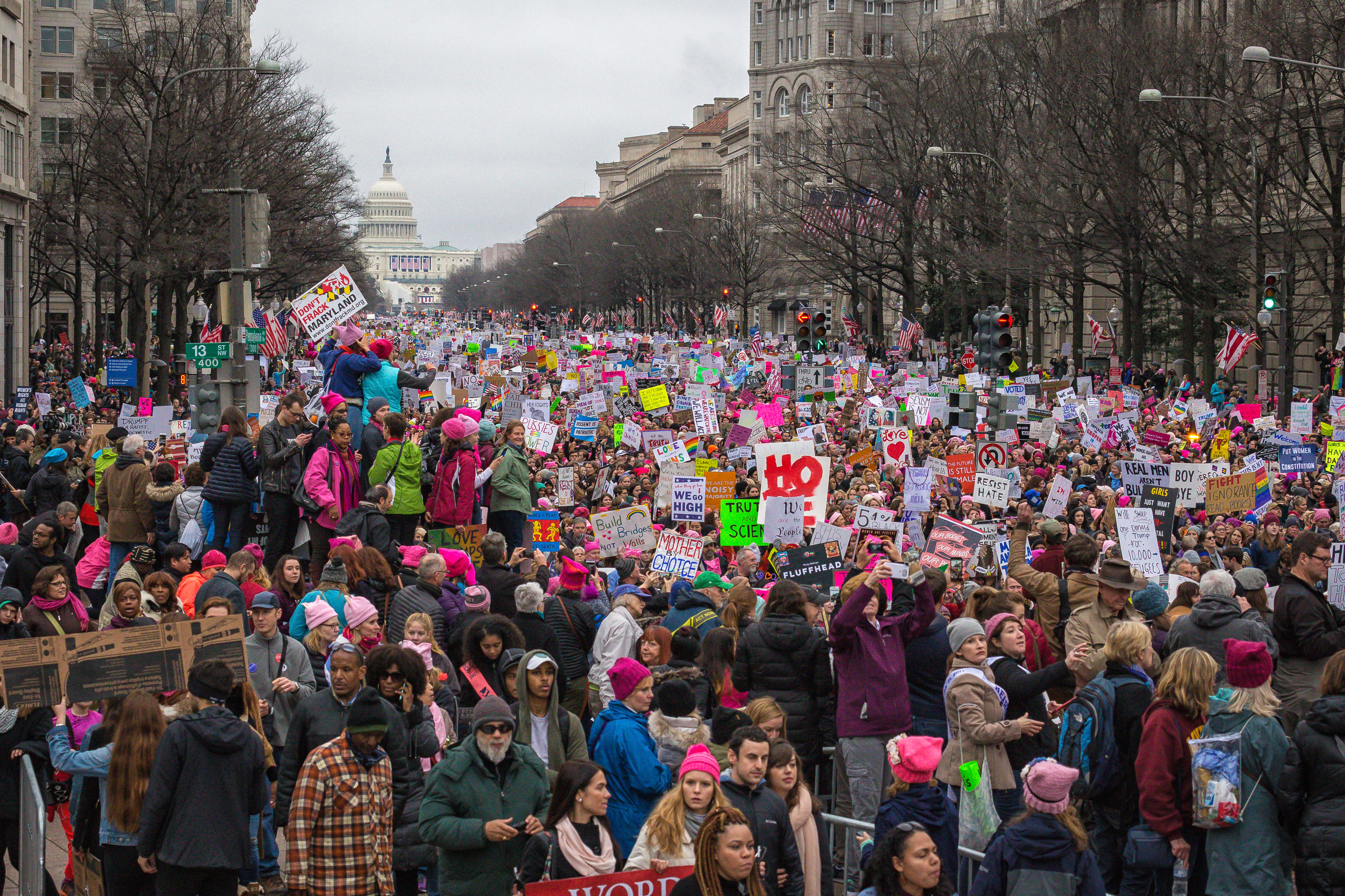 File Women S March On Washington Pennsylvania Avenue Jpg Wikimedia Commons