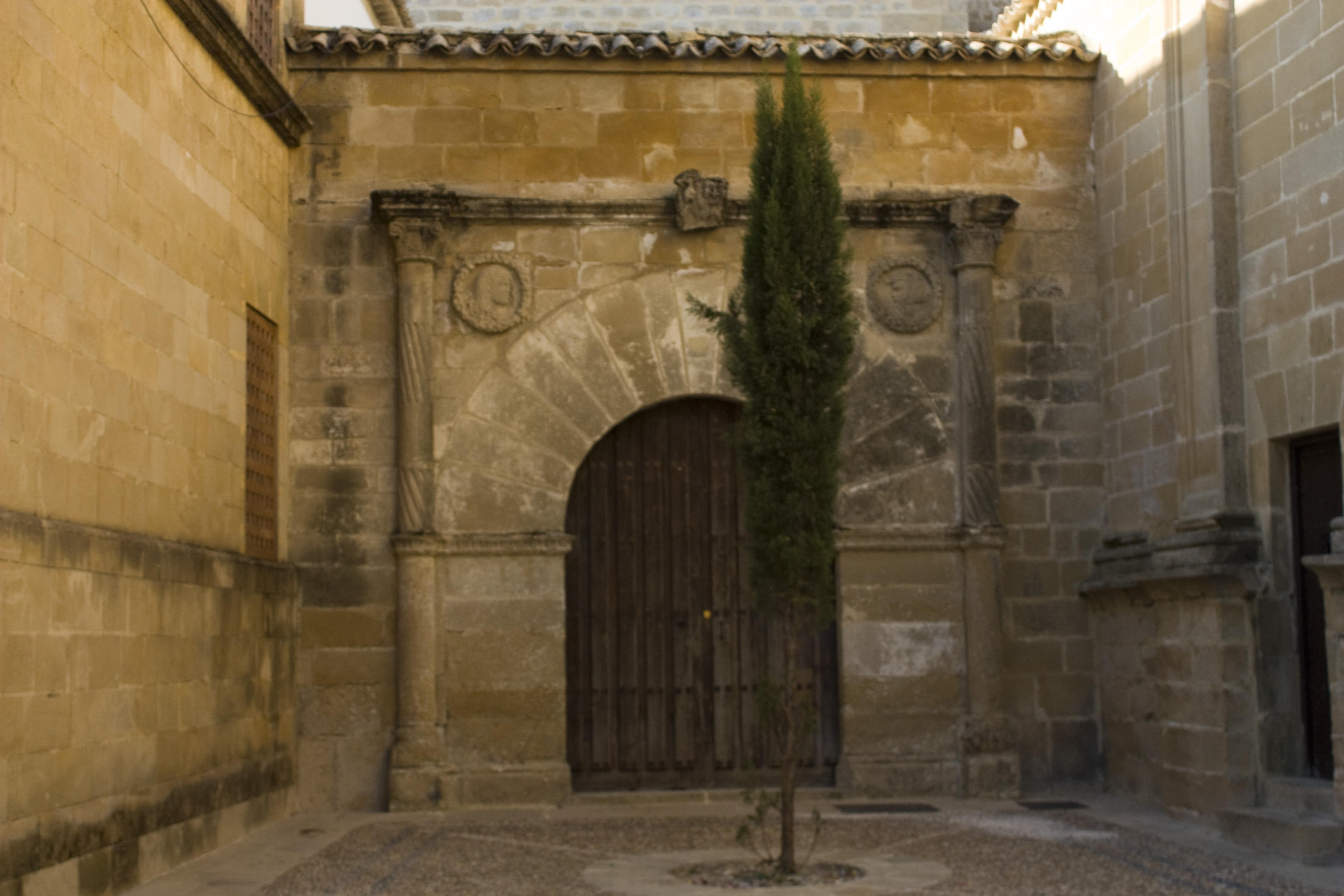 File Beda Puerta De La Carcel Del Obispo 20110919 09858