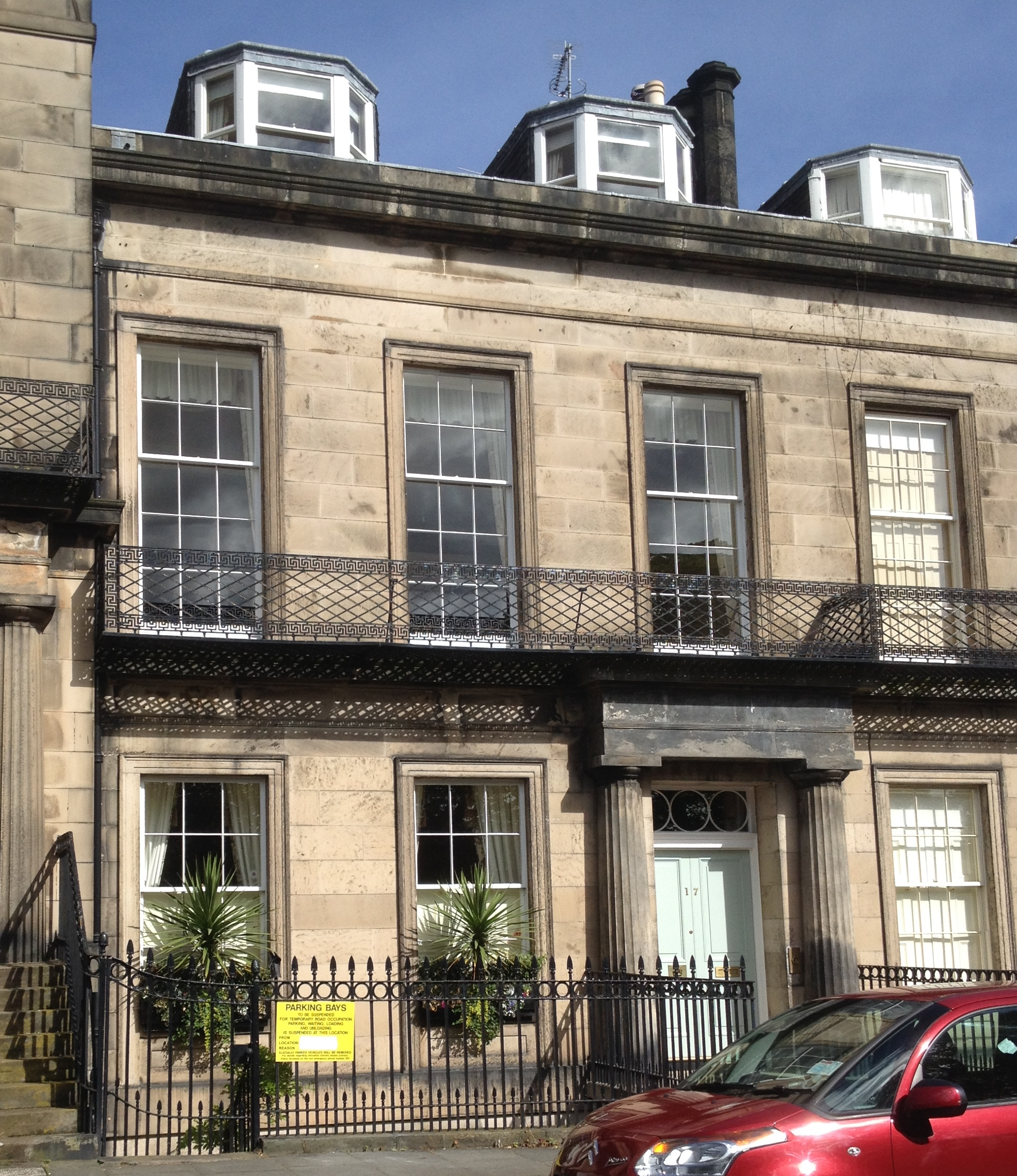 File 17 regent terrace edinburgh jpg wikimedia commons for 55 buckstone terrace edinburgh