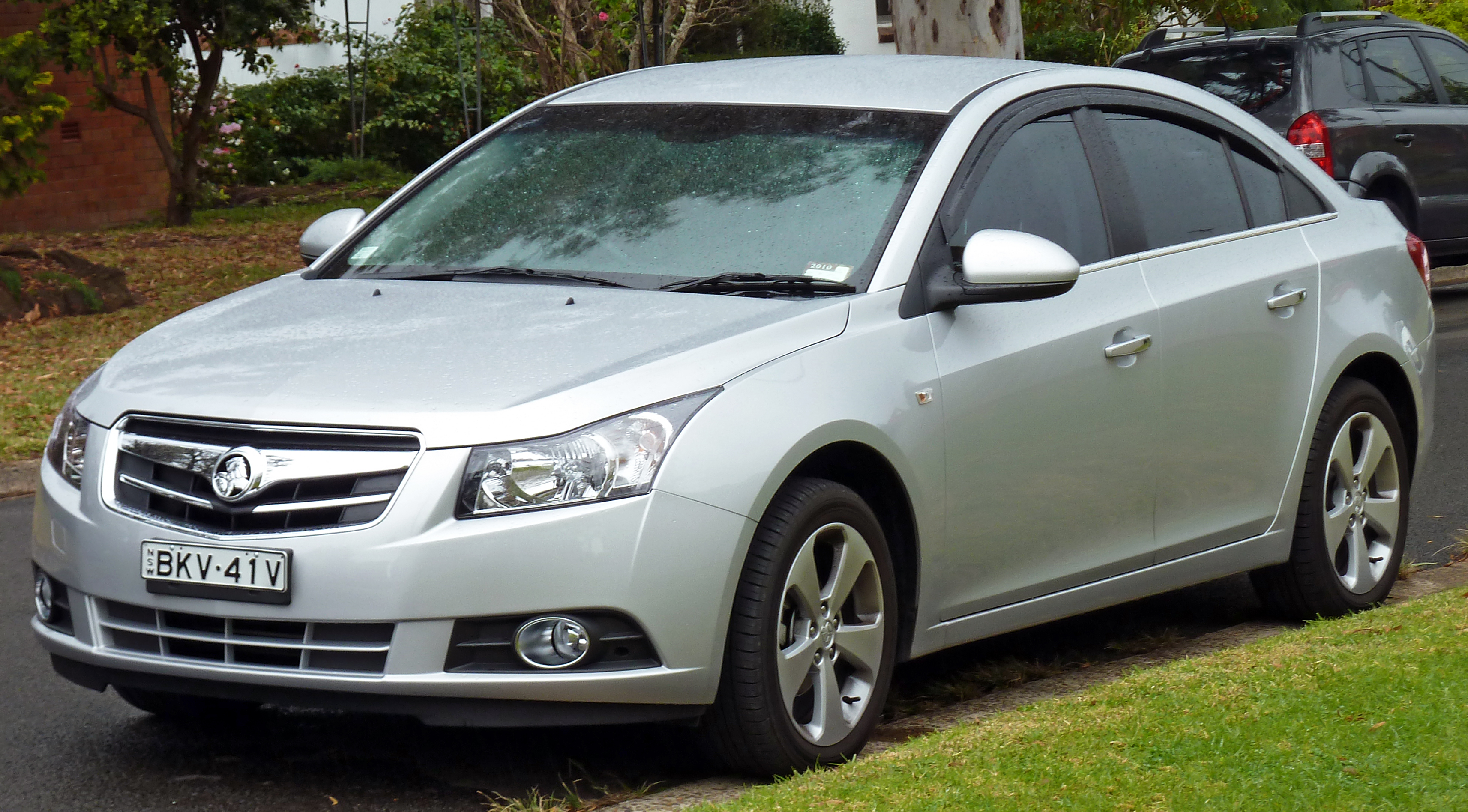 File 2009 2010 Holden Jg Cruze Cdx Sedan 02 Jpg Wikimedia Commons
