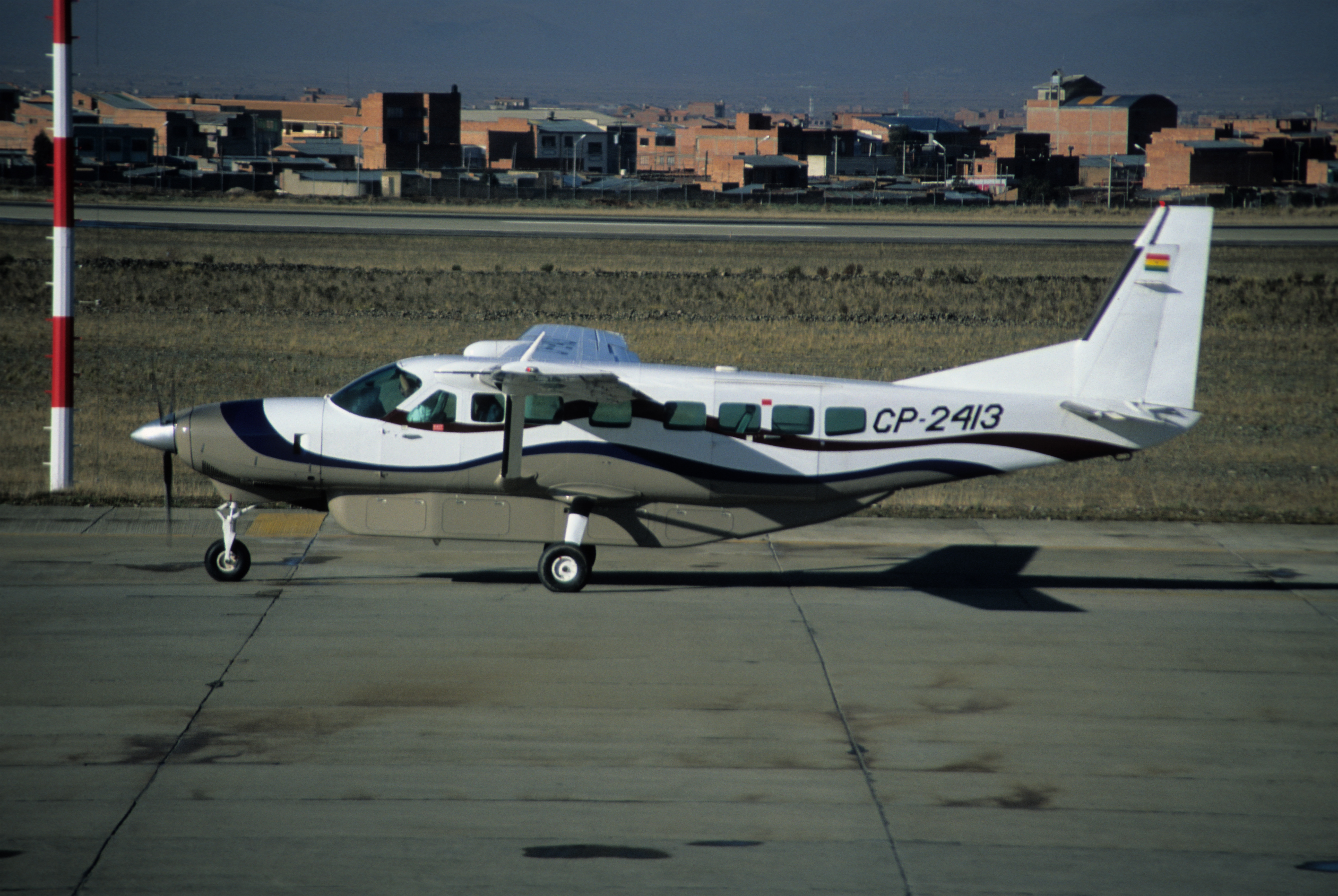 File:325ah - AMASZONAS Cessna 208B; [emailprotected];02.10.