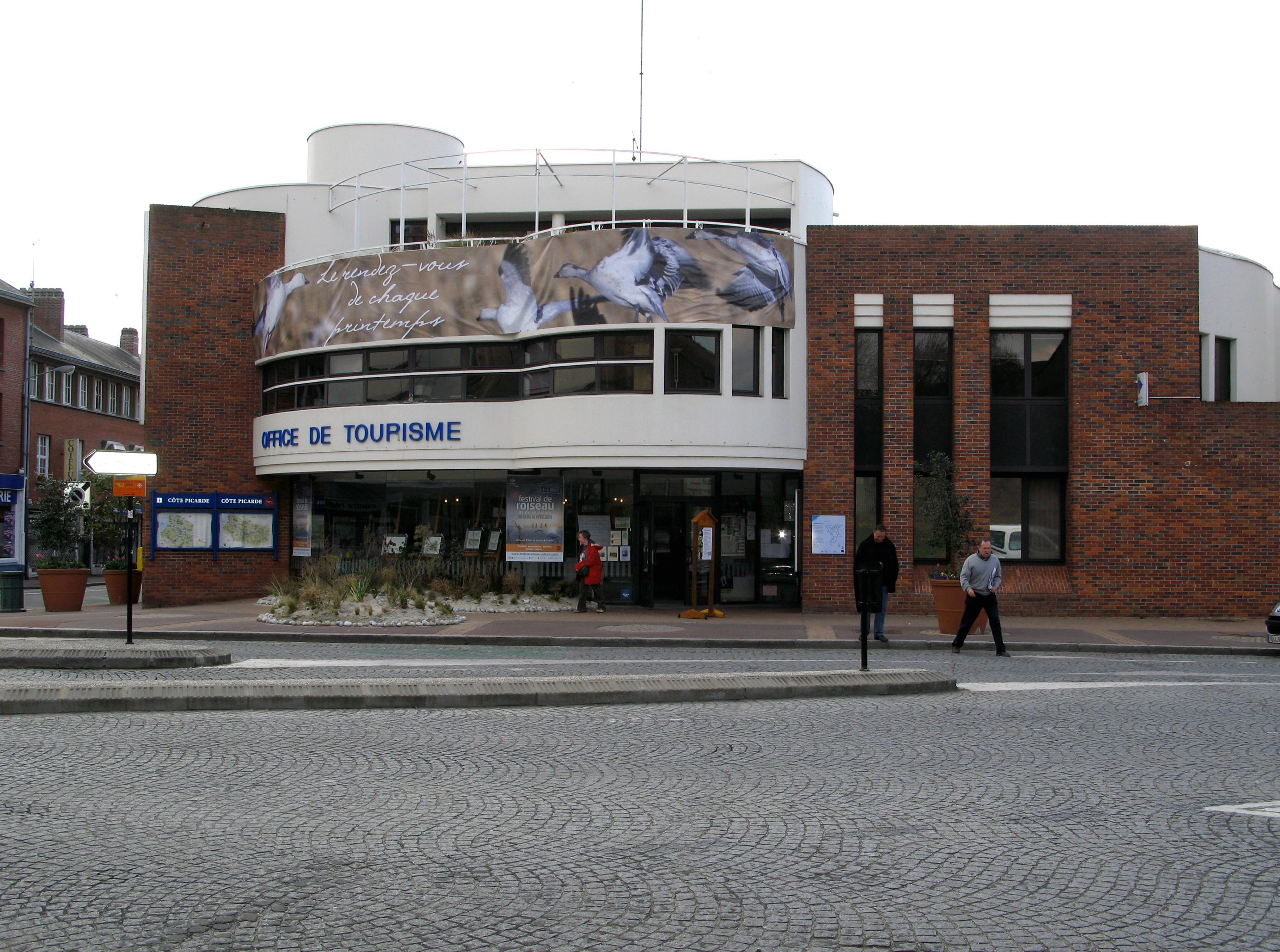 File abbeville office de tourisme wikimedia commons - Office tourisme abbeville ...