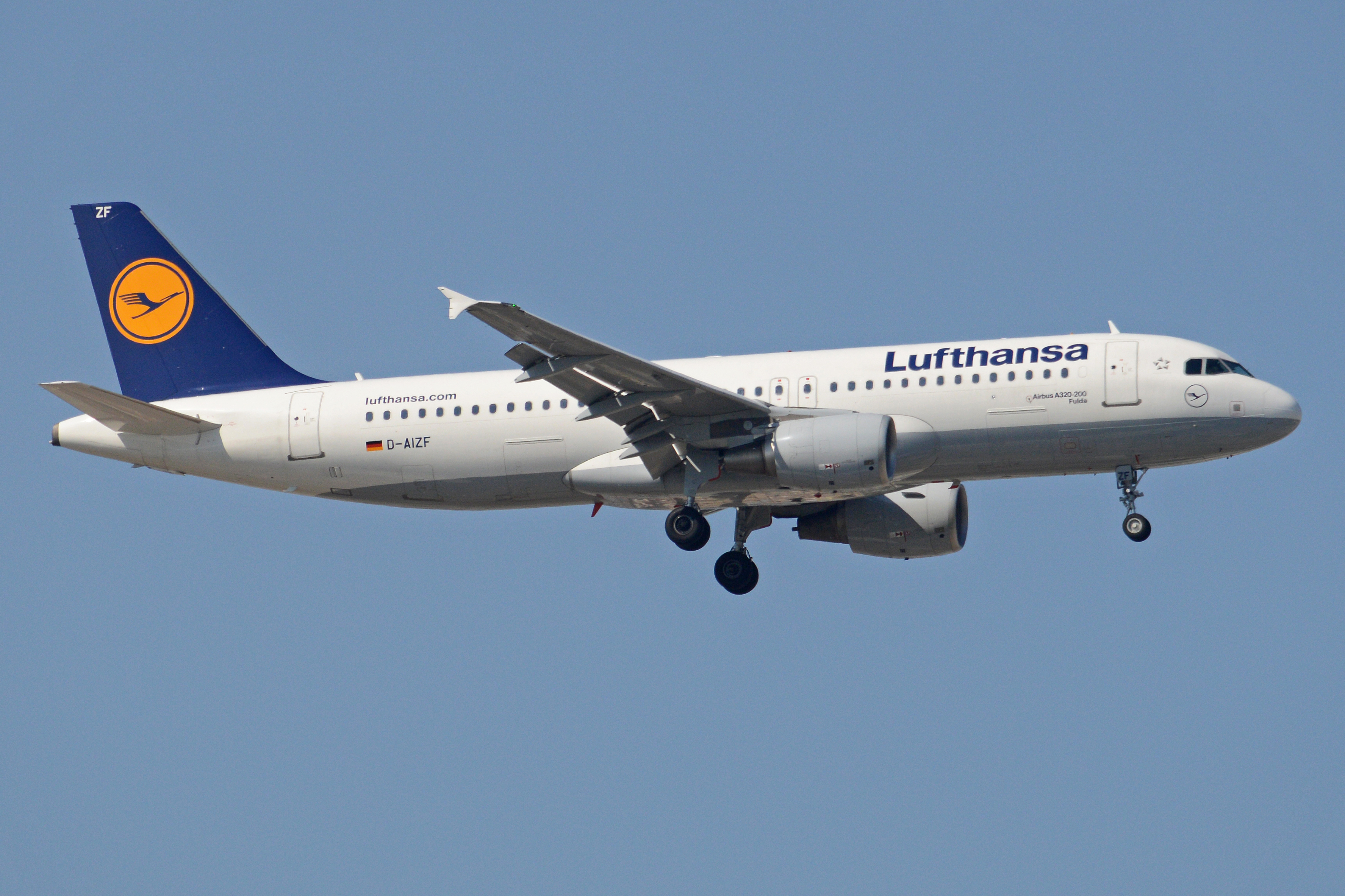 file airbus a320 214 d aizf lufthansa 32195288036 jpg wikimedia commons. Black Bedroom Furniture Sets. Home Design Ideas