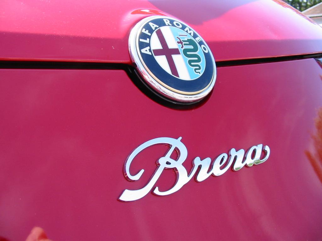 File:Alfa Romeo Brera rear logo.JPG - Wikimedia Commons