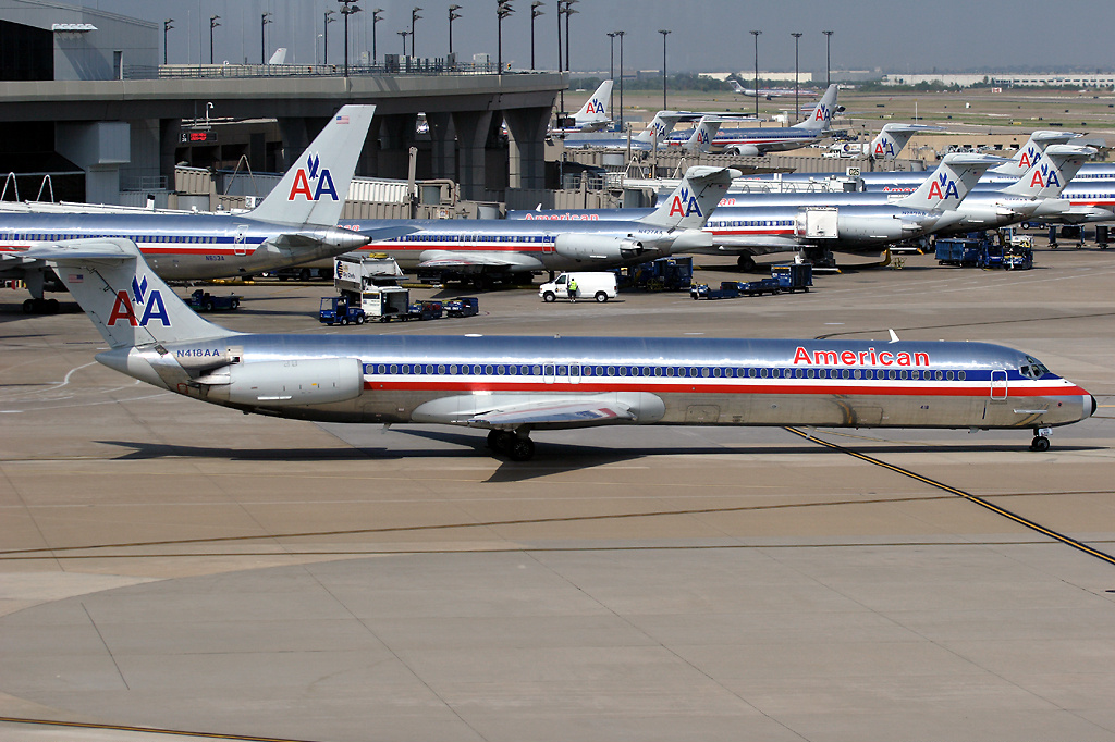 Numerous American Airlines N America Flying To Philly American Airlines And Japan