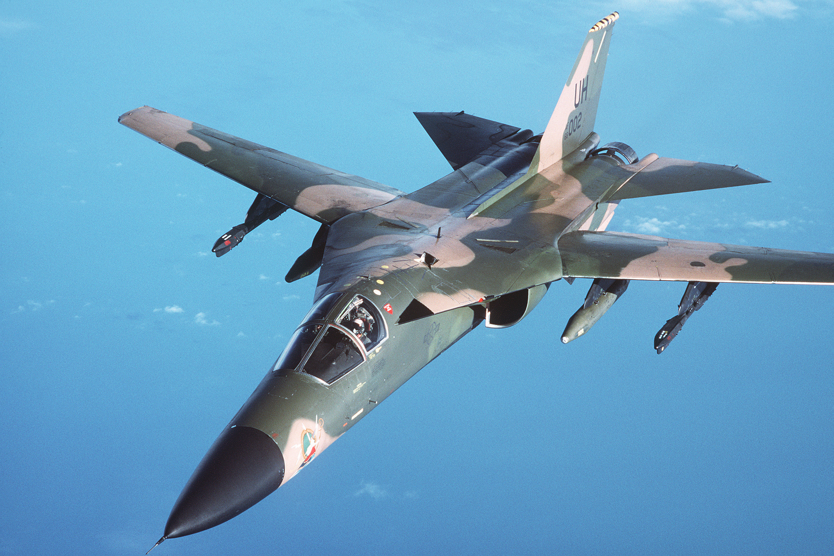 File:An air-to-air left front view of an F-111 aircraft ...