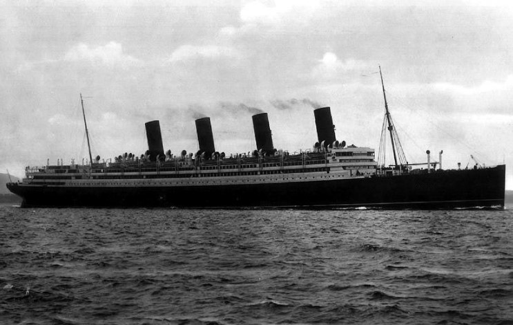 http://upload.wikimedia.org/wikipedia/commons/2/21/Aquitania_06.jpg