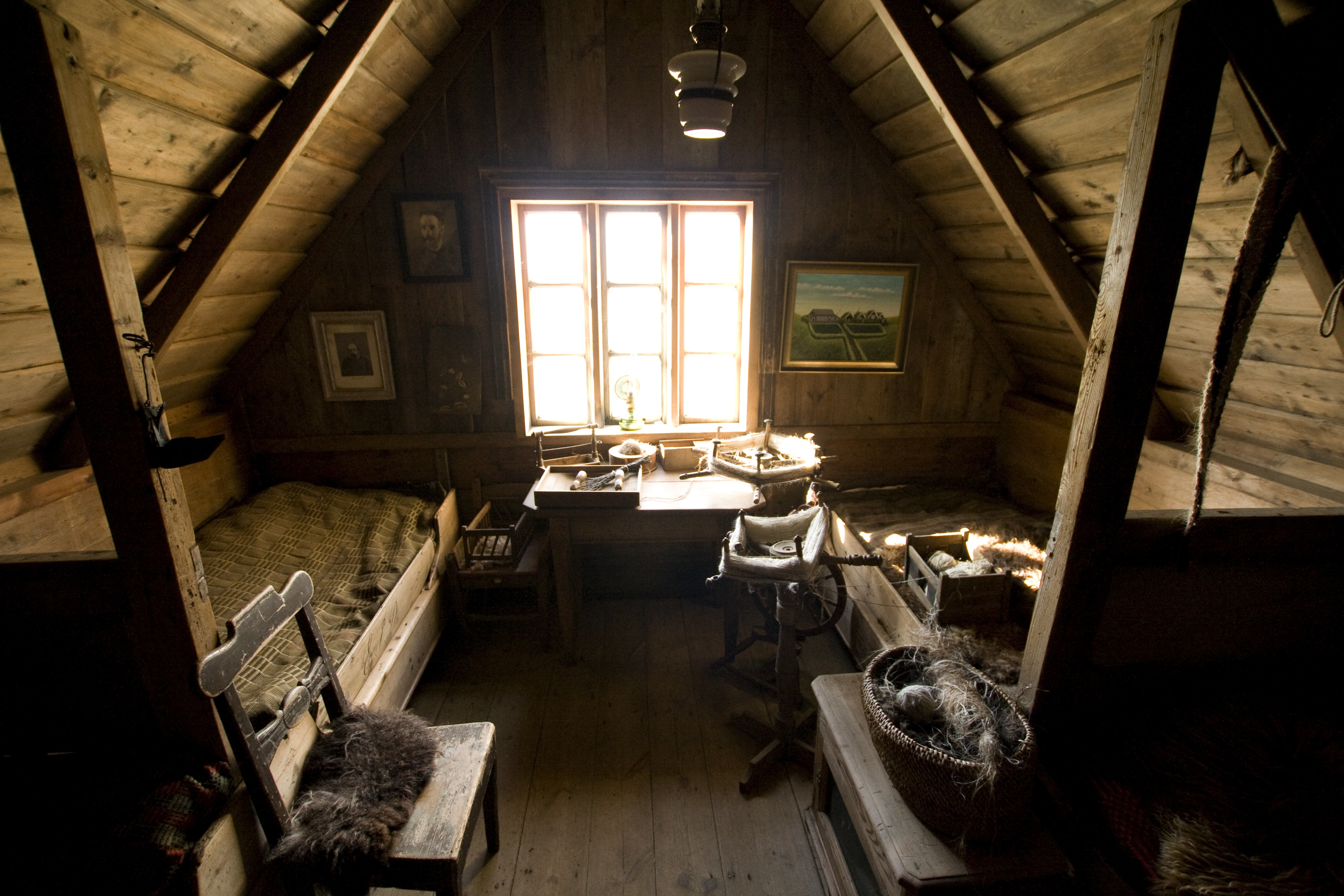 File attic wikimedia commons An attic room