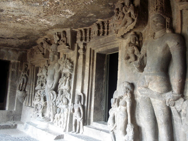 File:Aurangabad Caves, another view.JPG