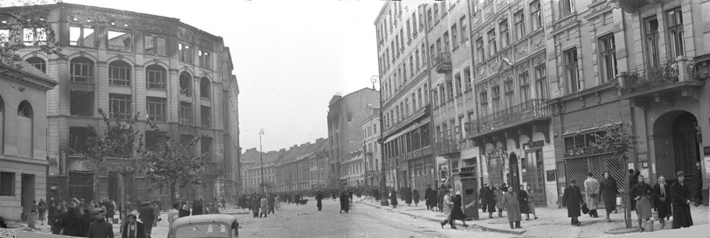 http://upload.wikimedia.org/wikipedia/commons/2/21/Bundesarchiv_Bild_101I-001-0285-Ulica_D%C5%82uga.jpg