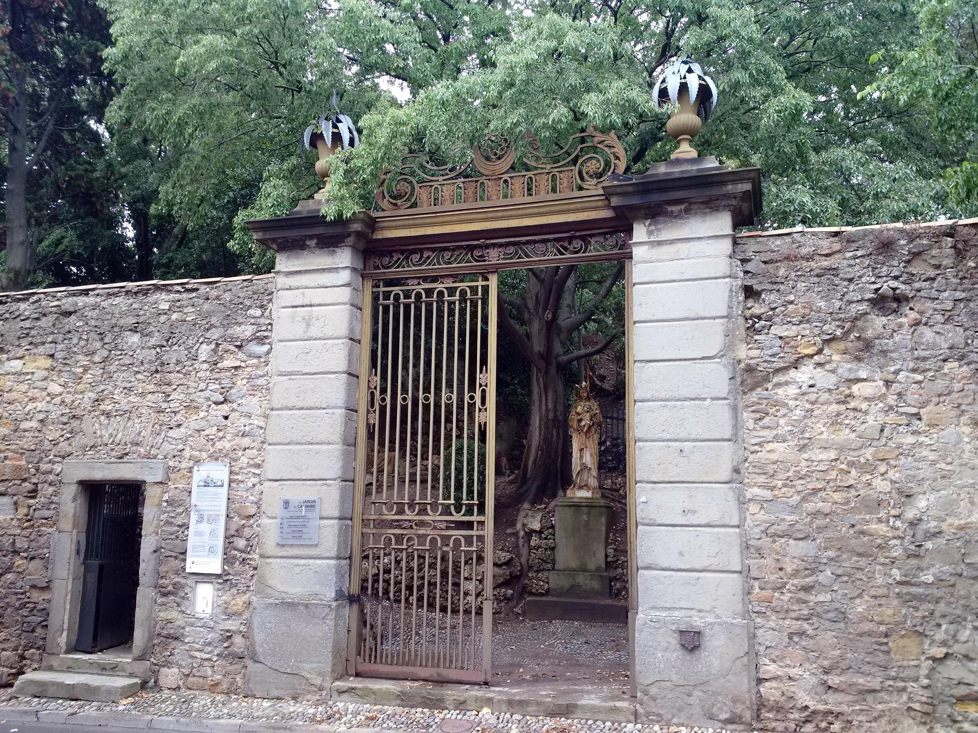 File carcassonne aude jardin du bastion du calvaire 2 for Le jardin carcassonne