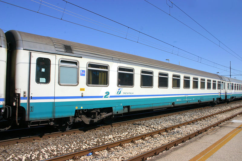 Used Rail Coach Cars For Sale