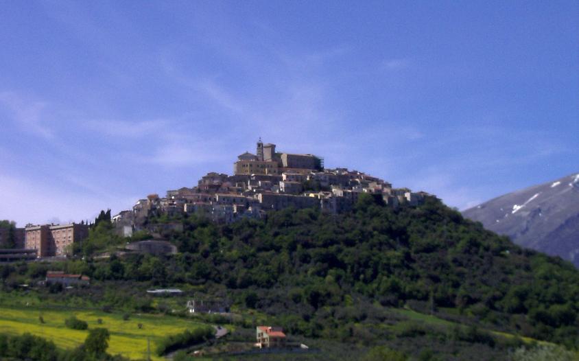 Veduta di Casoli sopra la collina