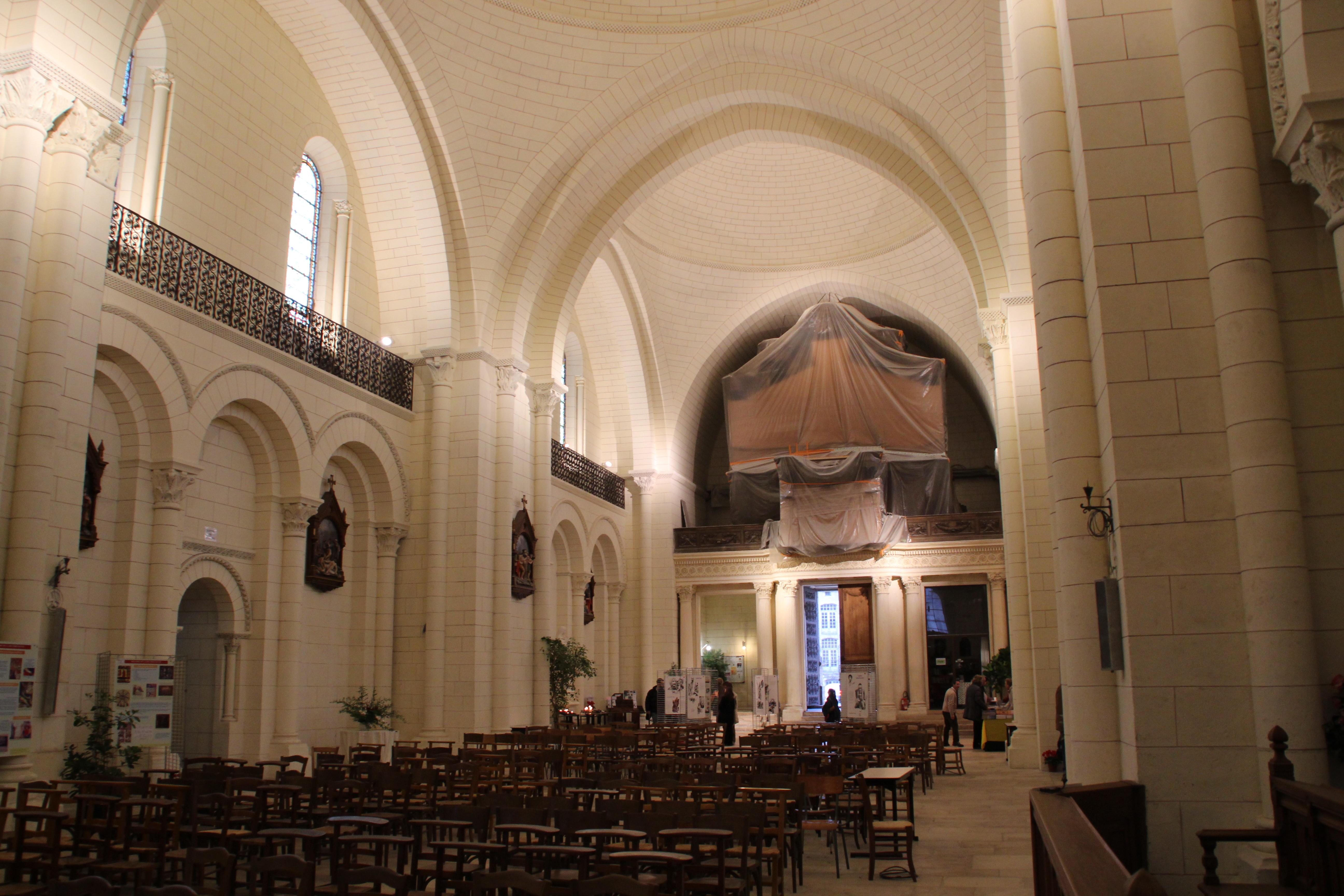 Captivating File:Cathédrale Saint Pierre Du0027Angoulême Durant Le Festival International De  La Bande